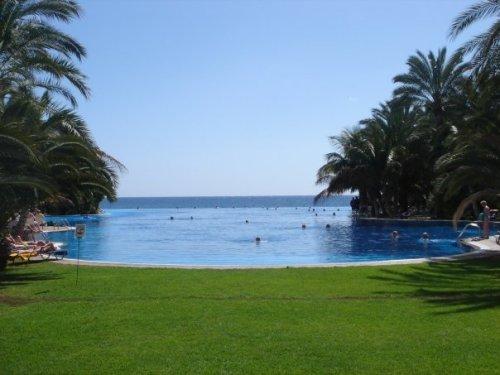 initinity pool